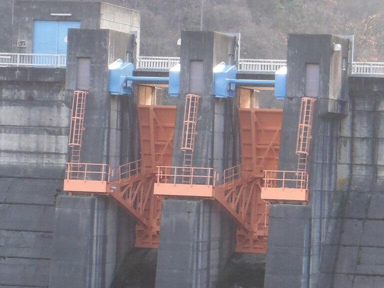 ダムゲート塗装